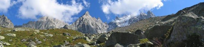 Montagnes avec des gisements de glace Image libre de droits