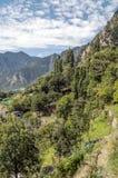 Montagnes avec des nuages Photo libre de droits