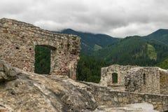Montagnes avec des ruines Image libre de droits