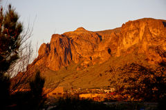 Montagnes AZ de superstition de coucher du soleil Photos stock
