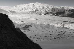 Montagnes B&W de désert Photos stock