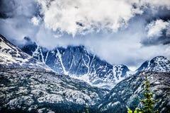 Montagnes blanches de passage en Colombie-Britannique Images stock