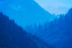 Montagnes brumeuses Illustration Libre de Droits
