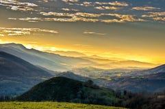 Montagnes brumeuses Images libres de droits