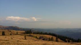 Montagnes carpathiennes photo libre de droits