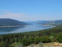 Montagnes carpathiennes roumaines images libres de droits