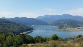 Montagnes carpathiennes roumaines photo stock