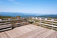 Montagnes, ciel bleu, réserve forestière de Chattahoochee photos libres de droits
