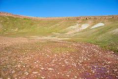 Montagnes colorées en vallée de Kichik-Alai Photo stock