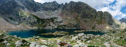 montagnes corses de montagne de lac de laque du creno de France de la Corse Image stock