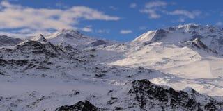 Montagnes couronnées de neige Photos libres de droits
