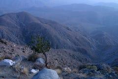 Montagnes crépusculaires Images stock