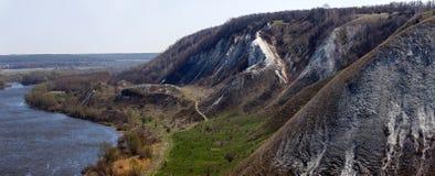 Montagnes crayeuses sur les banques de Don River Images stock