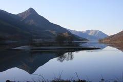 Montagnes d'écossais de réflexion Photographie stock