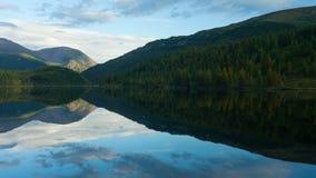 Montagnes d'Altai Bel horizontal des montagnes La Russie Sibérie Timelapse banque de vidéos