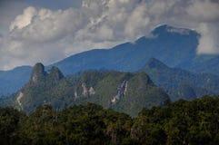 Montagnes dangereuses graves Photographie stock