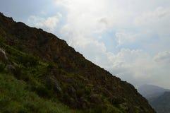 Montagnes dans Kadamzhay, Kirghizistan Photo stock