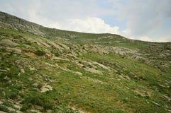 Montagnes dans Kadamzhay, Kirghizistan Image stock