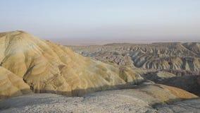 Montagnes dans le désert banque de vidéos