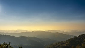 Montagnes dans le nord de la Thaïlande Photos stock