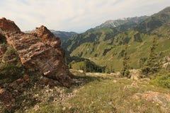 Montagnes dans le Xinjiang, porcelaine Images stock