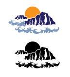 Montagnes dans les nuages Photo stock