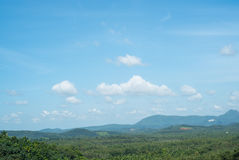 Montagnes dans une vue de matin Photo stock