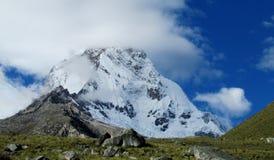 Montagnes de Blanca de Cordillère image stock