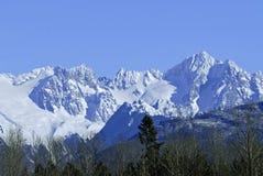 Montagnes de cascade Photo stock