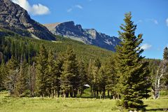 Montagnes de cascades Photo stock