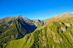 Montagnes de Caucase dans la vue d'été de Gudauri, la Géorgie Photographie stock