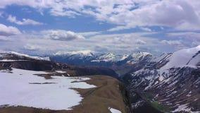 Montagnes de Caucase Tir visuel par le bourdon banque de vidéos