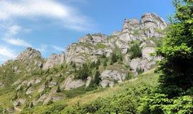 Montagnes de Ciucas en Roumanie Photographie stock