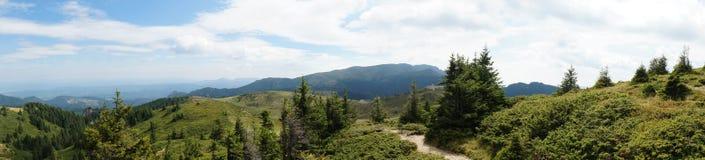 Montagnes de Ciucas en Roumanie 31 - panorama Images stock