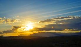 Montagnes de coucher du soleil Images stock