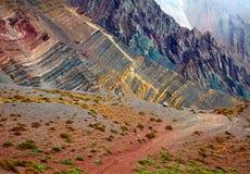 Montagnes de couleur en parc national de l'Aconcagua andes Images stock