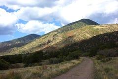 Montagnes de désert de Sanger De Cristo High Photo libre de droits