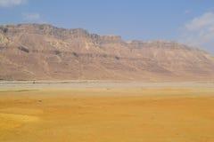 Montagnes de désert près de la mer morte Photographie stock libre de droits
