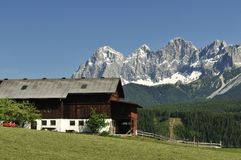Montagnes de Dachstein Images stock