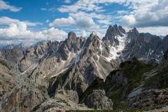 montagnes de dolomite de cadini - vue à partir du dessus Photographie stock libre de droits