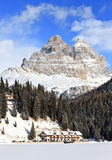 Montagnes de Dolomiti et lac Misurina Photo stock