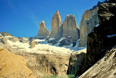 Montagnes de granit en Torres del Paine Photo stock