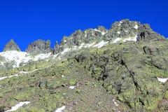 Montagnes de gredos de neige à avila Photos stock
