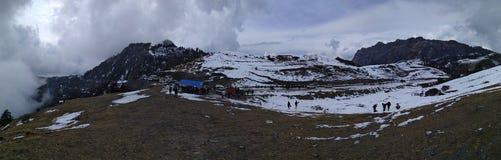 Montagnes de Kalinchowk en hiver, Népal image stock