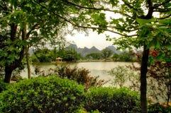 Montagnes de Karst près de Guilin, Chine Photo stock