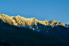 Montagnes de l'Himalaya dans un matin Photographie stock