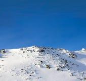 Montagnes de l'hiver Photographie stock libre de droits
