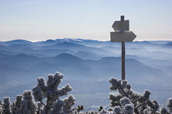 Montagnes de l'hiver de ci-avant Photo libre de droits
