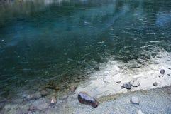 montagnes de lac Photos stock
