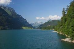 montagnes de lac photographie stock